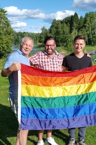 gaycamp-2016-flagga400-x599
